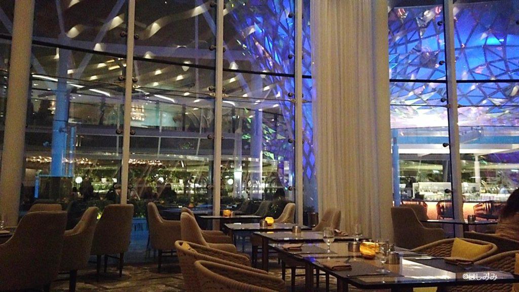 シンフォニーオブザシーズのレストラン「ソラリウムビストロ」